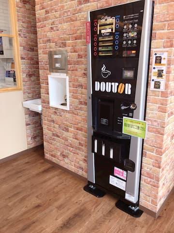 CAFE LAUNDRY内お自動販売機