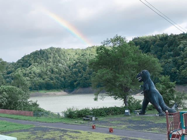 桂沢湖と恐竜